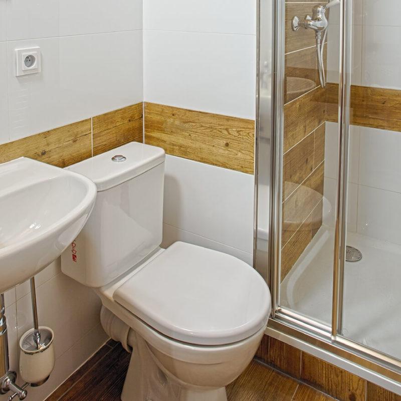 Vila Sekvoj - ubytování Harrachov - pokoj 3 - koupelna