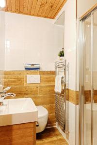 Vila Sekvoj - ubytování Harrachov - pokoj 5 - koupelna